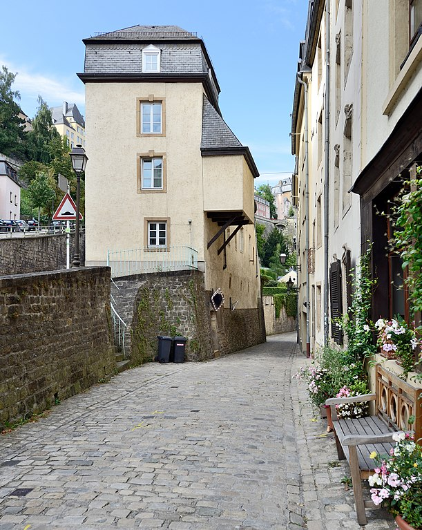 File luxembourg grund rue plaetis maison van der vekene for Maison moderne luxembourg wikipedia