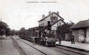 Luzarches Station - Image: Luzarches Interieur de la gare