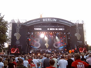 Live 8 - The Live 8 concert in the Tiergarten, Berlin. On stage is a-ha
