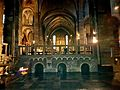 Maastricht, OLV-basiliek, noordertransept, zicht op koor & crypte.jpg