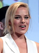 Margot Robbie, interpreta Harley Quinn all'interno del DC Extended Universe