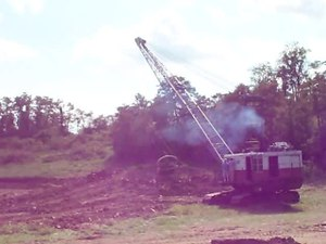 File:Marion 111-M Dragline at New Athens, Ohio.ogv