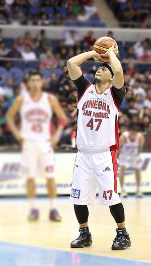 Mark Caguioa - Caguioa shooting a free throw in 2014