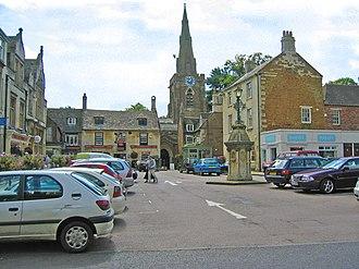 Uppingham - Image: Market Place, Uppingham, Rutland geograph.org.uk 45132