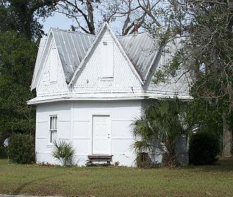 House of the Seven Gables (Mayo, Florida) - Image: Mayo FL Ho 7G01