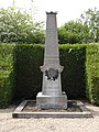 Mesbrecourt-Richecourt (Aisne) monument aux morts.JPG
