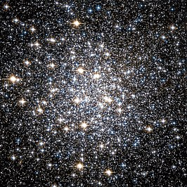 Messier 10 Hubble WikiSky.jpg