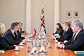 Ministru prezidents Valdis Dombrovskis tiekas ar Igaunijas prezidentu Tomasu Hendriku Ilvesu 11.10.2011. (6233935611).jpg
