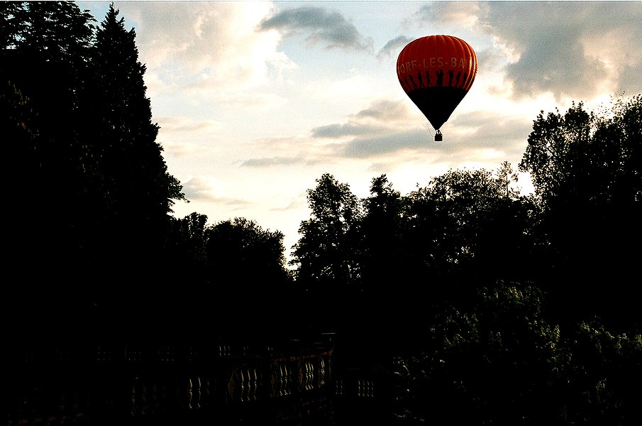 Mondorf-les-Bains, hot-air balloon over the spa park