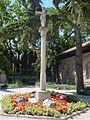 Monumento en forma de cruz en Torrelodones.jpg