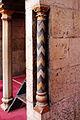 Moschea del sultano hasan, 1362, interno, dikka, colonnina.JPG