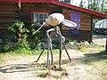 Mosquito statue at Moose Creek Lodge, Klondike Loop Highway, Yukon (3895963937).jpg