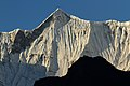 Mountains in Nepal - 7000 (22165340394).jpg