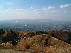 Mount Wakakusa - Image: Mt. wakakusa overlooking Nara