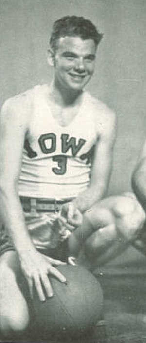 Murray Wier - Wier from the 1947 Hawkeye