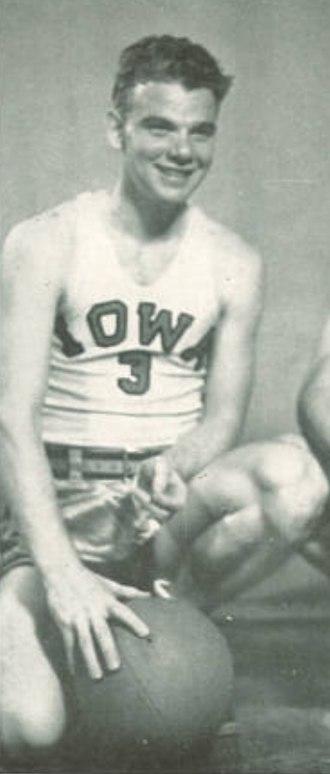 Murray Wier - Wier from the 1947 Hawkeye