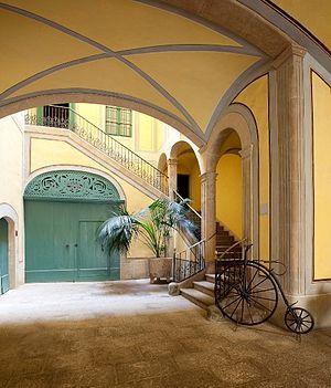 Can Papiol Romanticism Museum - Museum entrance