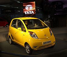 Photo d'une Tata Nano jaune.