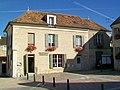 Neuville-sur-Oise (95), bibliothèque municipale.jpg