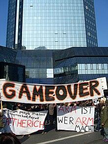 Occupy legt Apple-Store Hamburg lahm: Globalisierungsgegner wettern gegen Apple wegen Dumping-Löhne