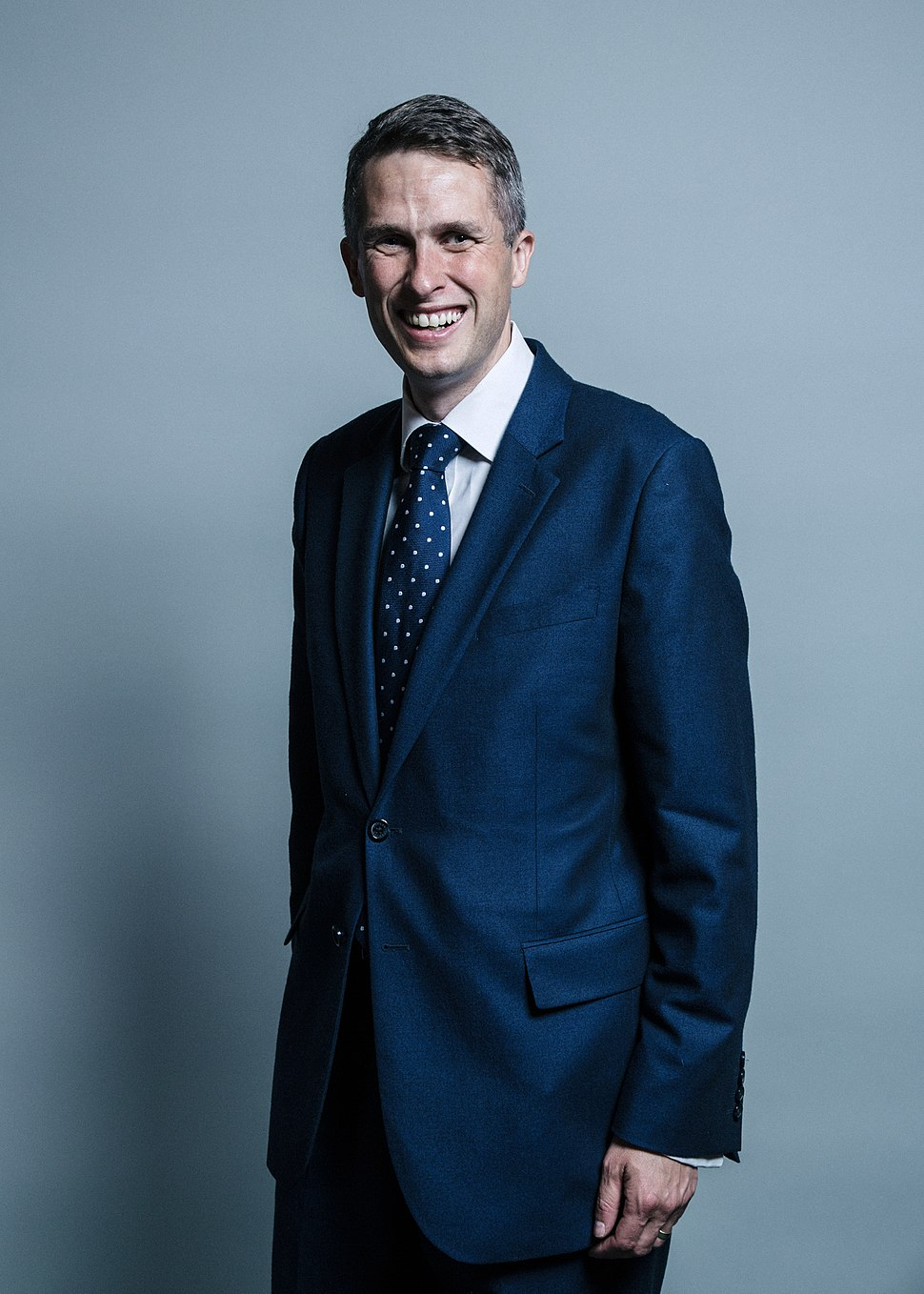 Official portrait of Gavin Williamson