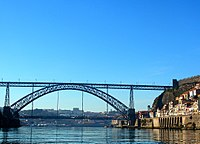 Oporto (Portugal) (17175715261).jpg