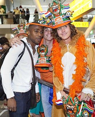 Edson Braafheid - Braafheid with Dutch fans.