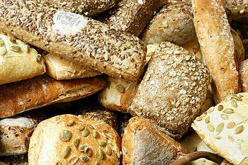 English: Organic bread rolls in Brugge, Belgiu...