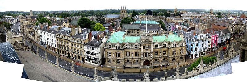 Oxford High Street panorama.jpg