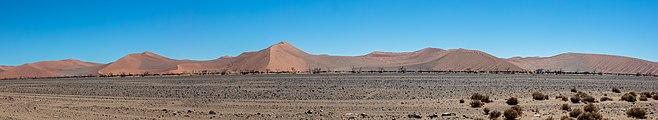 Paisaje en Sossusvlei, Namibia, 2018-08-06, DD 147-153 PAN.jpg