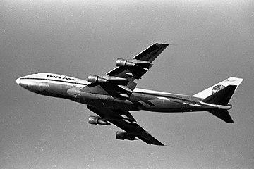Pan Am Boeing 747-121 N736PA at Sydney.jpg