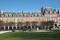 Paris Place des Vosges 614.jpg