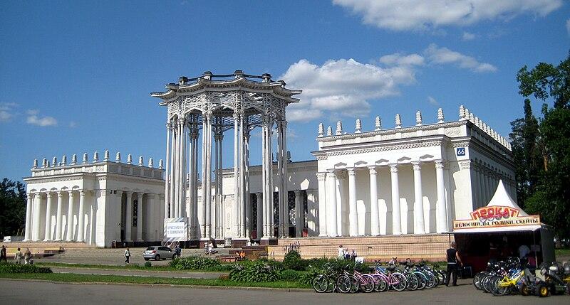 Nueva Moscu de Stalin ,arquitectura Sovietica - Página 2 800px-Pavillon_Uzbekistan_01