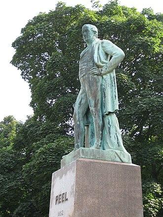 Woodhouse Moor - Image: Peel Statue Leeds