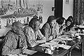 Persconferentie beginselprogram-commissie PVDA, van links naar rechts Mansholt,, Bestanddeelnr 928-7291.jpg