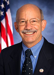 Peter DeFazio, official Congressional photo portrait.jpg