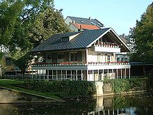 Das Petrihaus im Brentanopark in Frankfurt-Rödelheim (Quelle: Wikimedia)