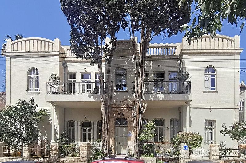 הבית ברחוב יהודה הלוי 11 בתל אביב