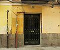 Placa Rosalía de Castro en el número 15 de la calle Ballesta, 2.jpg