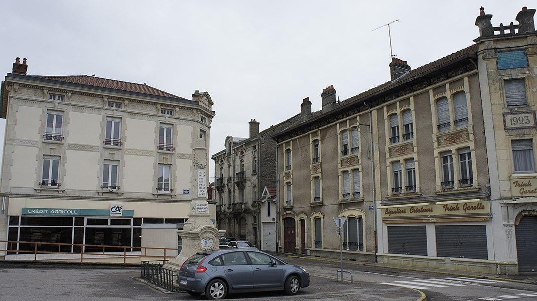 Place et monument de 1870 Saint-Mihiel.