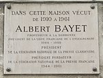 Plaque Albert Bayet, 2 rue Monsieur-le-Prince, Paris 6.jpg