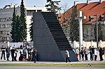 Pomnik Ofiar Tragedii Smoleńskiej w Warszawie 2018c.jpg
