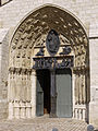 Porch of Church-of-Saint-Ayoul-in-Provins P112043.jpg