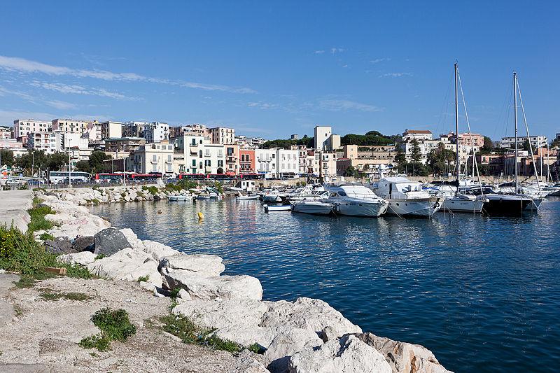 File:Pozzuoli harbor (5048296672).jpg
