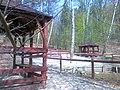 Przy źródełku w Lasku Miejskim w Chojnicach - panoramio.jpg