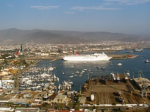 English: The port of Ensenada, Baja California...