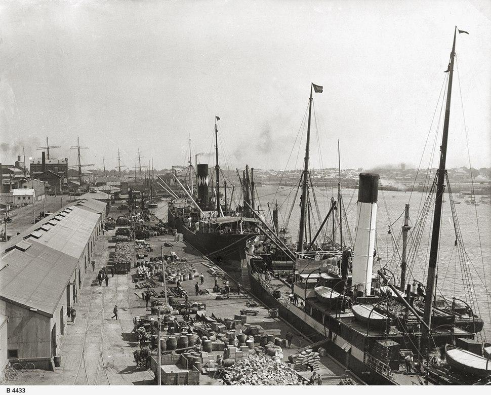 Queens Wharf, Port Adelaide, before 1927.jpeg
