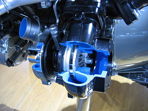 Range Rover V6 Turbo Diesel Engine - Flickr - robad0b.jpg