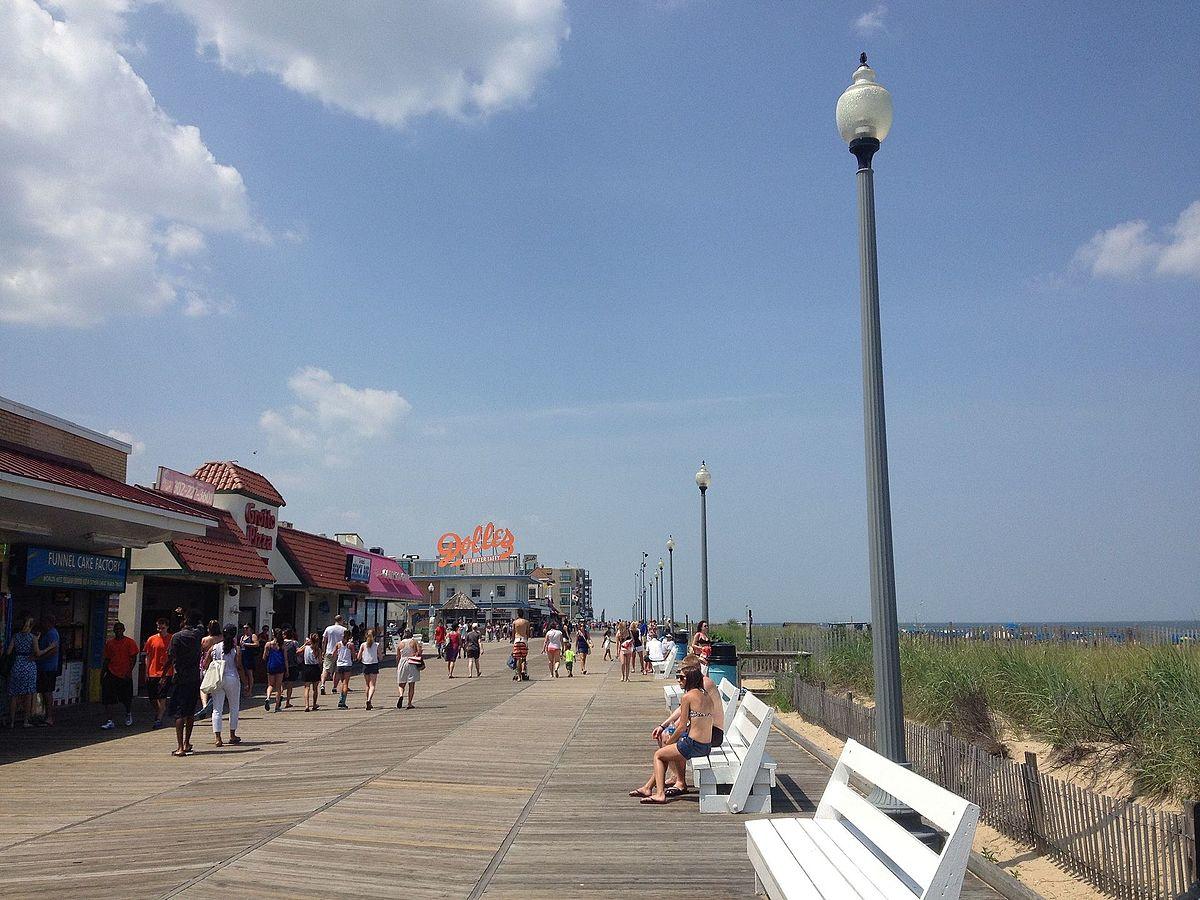 Rehoboth Beach boardwalk looking north toward Rehoboth Avenue