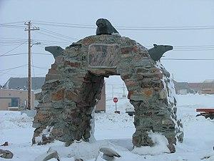 Naujaat - Arctic Circle arch